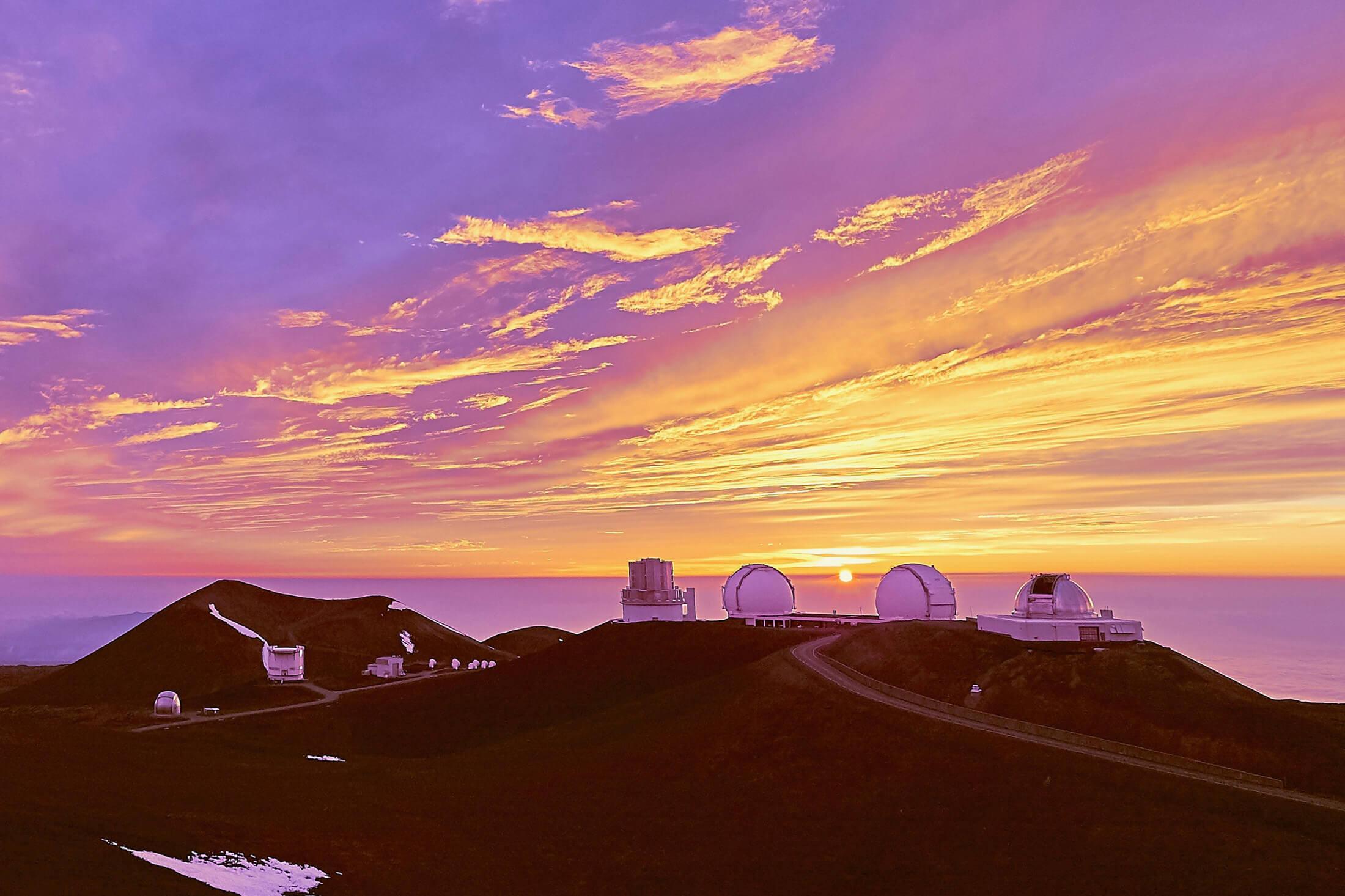 ハワイ島マウナケア山頂のサンセット